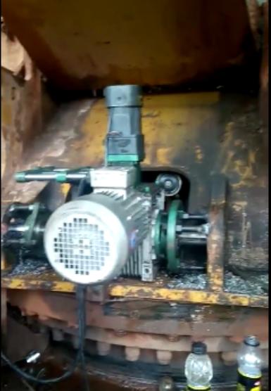挖掘机不拆镗孔机-挖掘机大臂镗孔不用拆的镗孔机