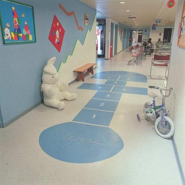 儿童乐园塑胶地板铺装工程的检验标准
