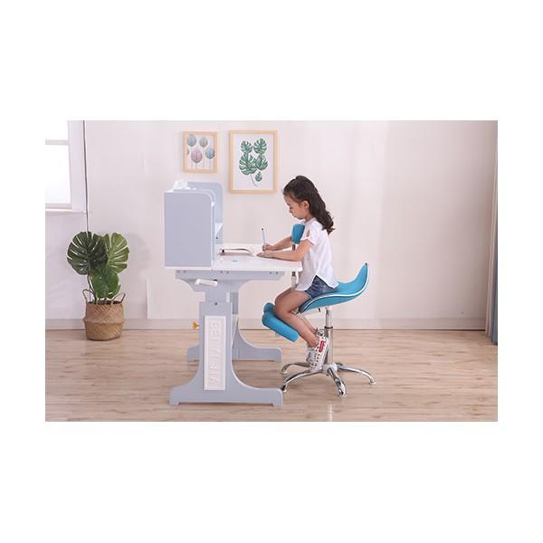 如何选购安全的儿童学习桌椅