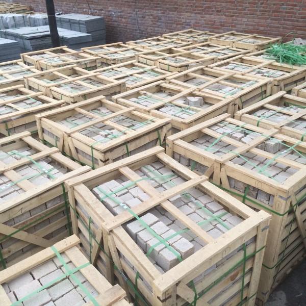 河北石材厂家现货供应虎皮黄花岗岩石材 天然黄色铺地石