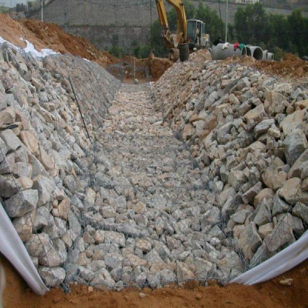 浙江 垚來絲網 簡單易安裝的河道治理高防腐熱鍍鋅綠濱墊