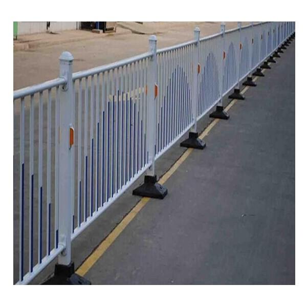 南寧交通護欄公路護欄鋅鋼護欄批發價
