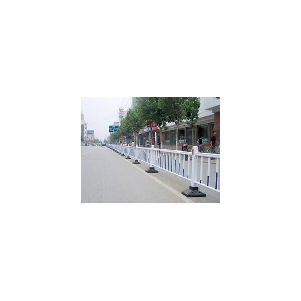 来宾锌钢护栏道路隔离栏多少钱一米