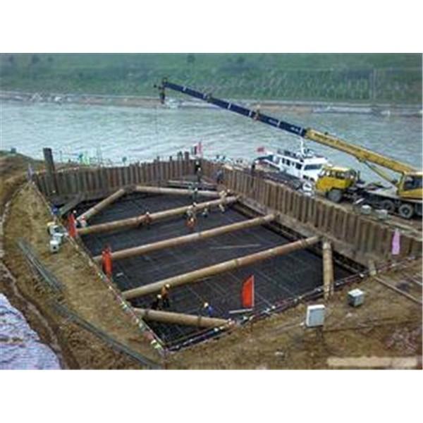 水上橋墩鋼板樁施工