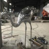 济宁园林景观鹤雕塑 不锈钢镜面动物定制工厂