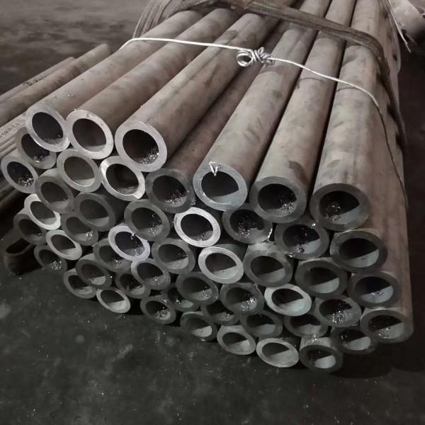 供应304不锈钢板和304不锈钢无缝管