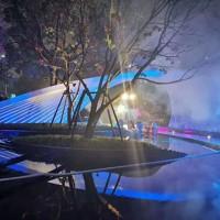 宁波年会场景布景抽象灯光雕塑 不锈钢烤漆工艺定制
