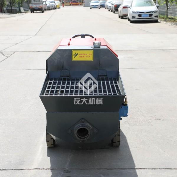 卧式带搅拌型混凝土输送泵
