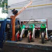 小型随车吊生产厂家-500公斤车载吊运机价格-东弘起重