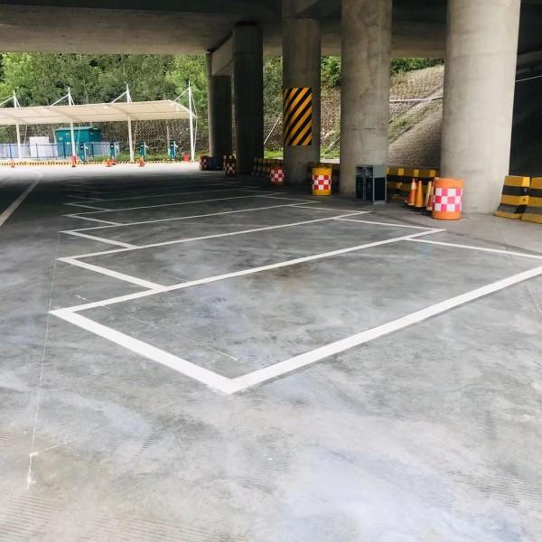 雁塔地下停车场车位划线 碑林停车场车位道路标线